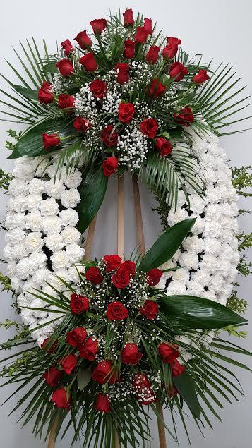 Corona elegante rosas rojas