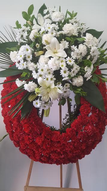 Corona clavel rojo centro blanco